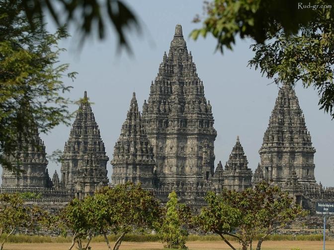 prambanan temple2