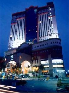 the-summit-hotel-subang-usj-facade
